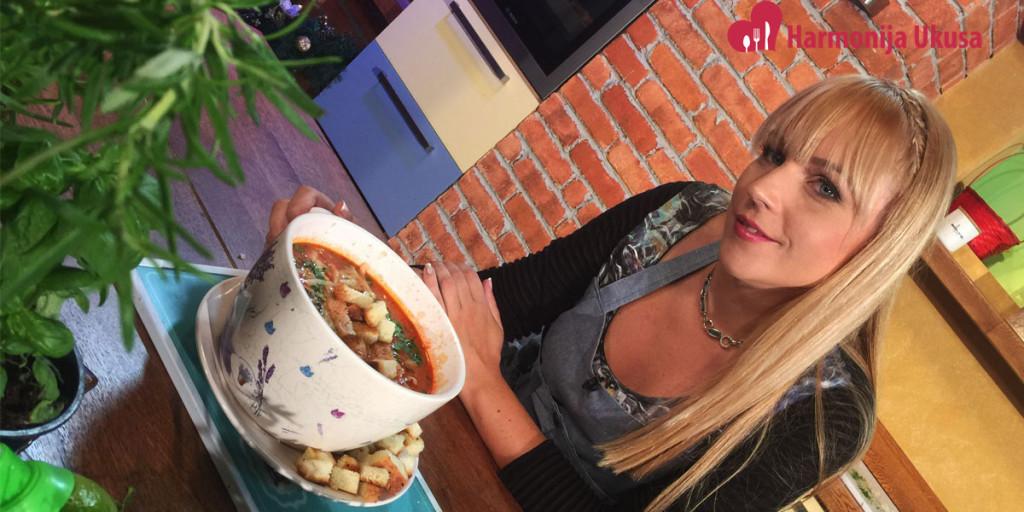 Paradajz-supa-sa-povrćem